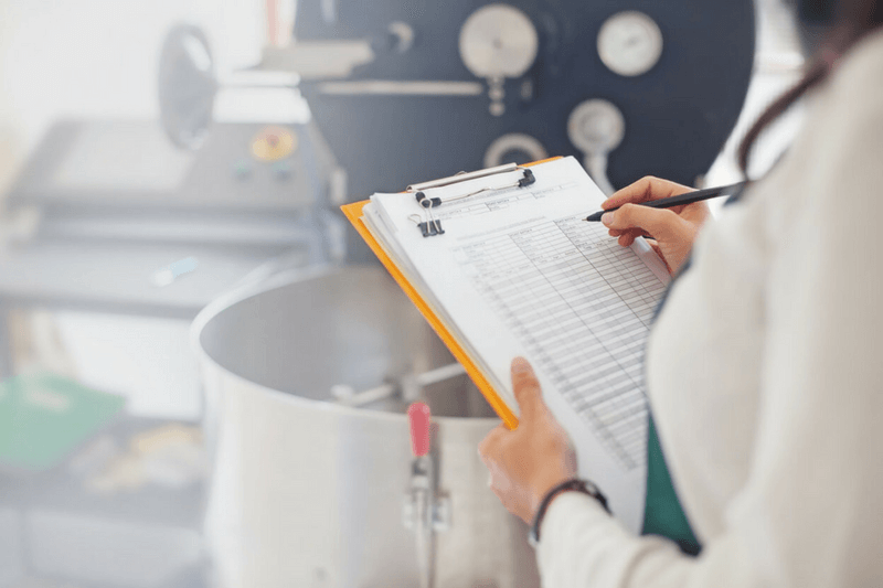 Pros and Cons of Centralized and Decentralized Manufacturing | Acrecent